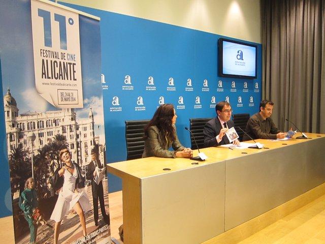 Carmen García, Joaquín Albadalejo y VIcente Seva presentan la sección oficial