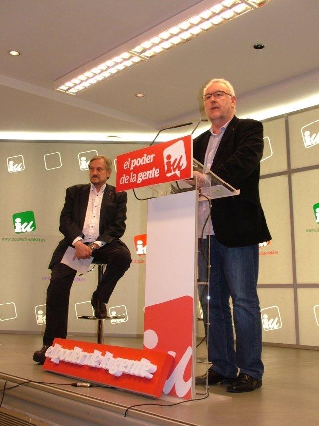 El coordinador federal de IU, Cayo Lara, y el candidato europeo, Willy Meyer
