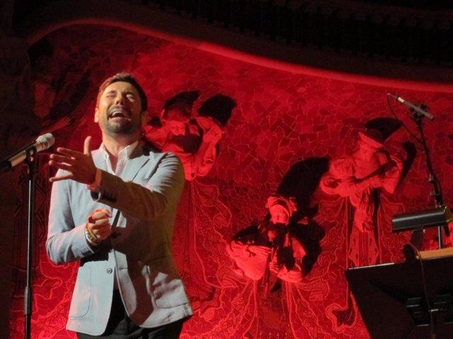 El Cantaor Miguel Poveda En El Palau De La Música