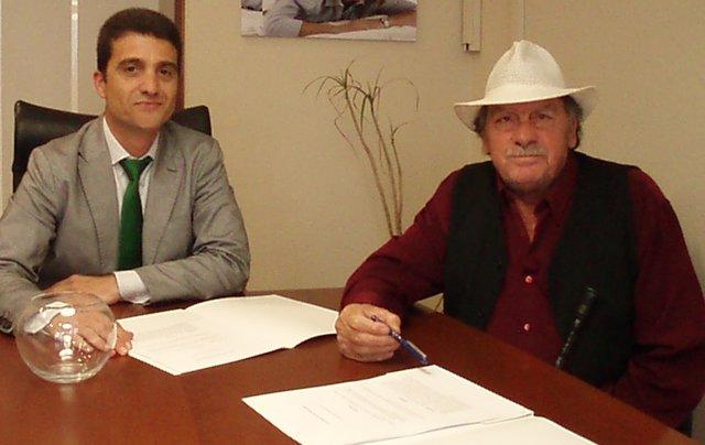 Mariano Oto, a la izquierda, junto con José Jiménez, a la derecha.