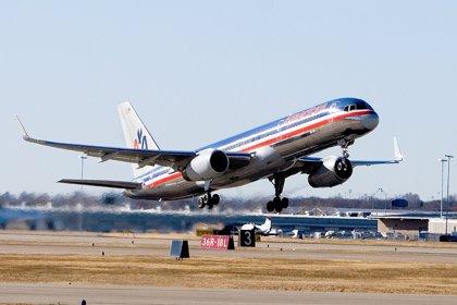 American Airlines abandona los 'números rojos' y gana 347 millones en el primer trimestre de la fusión