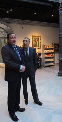 Sáez Aguado (izq) junto al delegado de la Junta en Salamanca, Bienvenido Mena