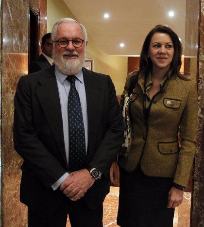 El PSOE emprende una triple ofensiva contra Cañete en el Congreso
