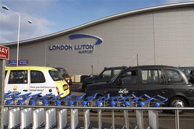 Aeropuerto De London Luton De Abertis