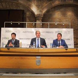 Luis Alfonso Hernández Carrón, Pedro Tomás Nevado-Batalla y César Santos