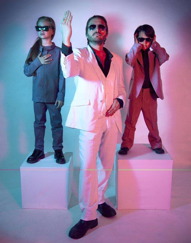 El grupo DMK