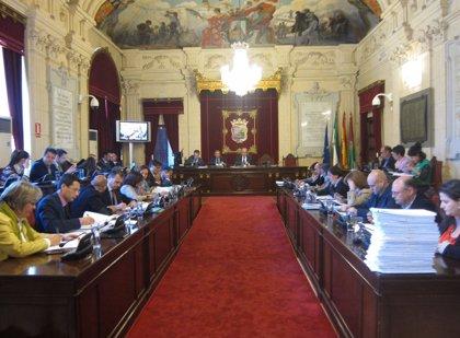 El Pleno de Málaga debate este miércoles sobre la reforma local, el AVE Sevilla-Antequera o los pluses