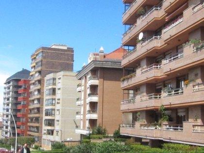 El precio de la vivienda usada cae un 2,6 por ciento en Cantabria en abril, el segundo mayor descenso