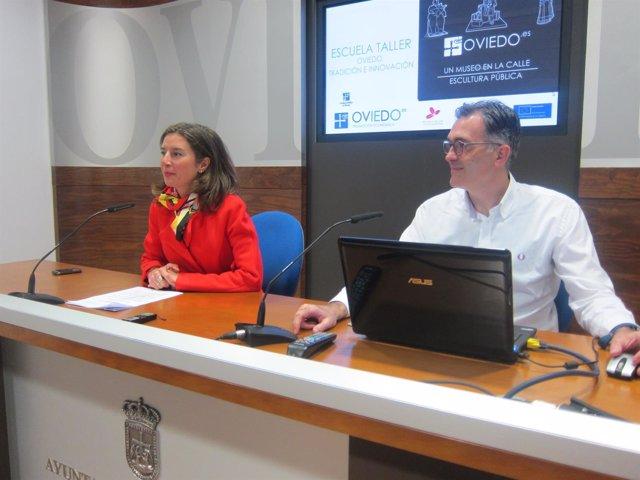 Silvia Junco y Ramón Suárez, durante la presentación del producto multimedia.