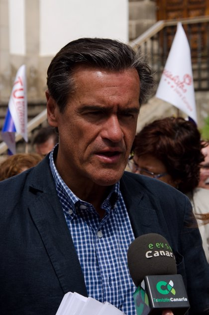 """López Aguilar asegura que """"ya está bien de salvar bancos y dejar en la cuneta a millones de ciudadanos"""""""