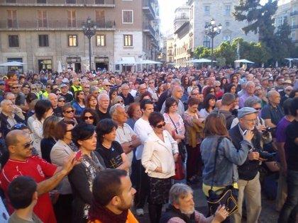La Asociación de Víctimas del Metro vuelve a pedir justicia en una concentración multitudinaria