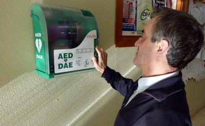 La SEEIC reivindica un marco legal nacional sobre desfibriladores automáticos