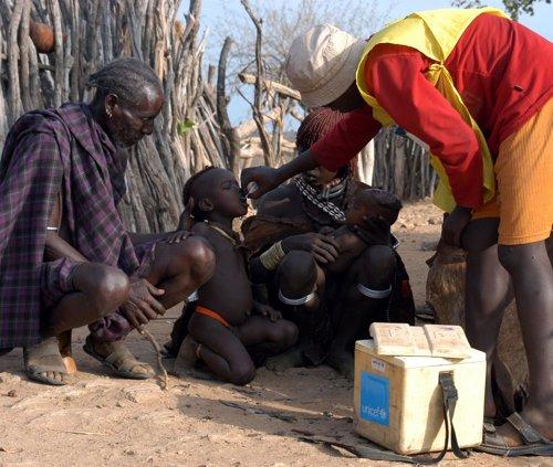 Campaña Vacunación Para Niños Africanos