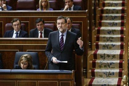 Rajoy remarca a CiU que la demanda en Cataluña es salir de la crisis y que no dialogará sobre lo ilegal
