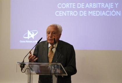 Muere Manuel Jiménez de Parga, exrector de la UB, expresidente del TC y exministro