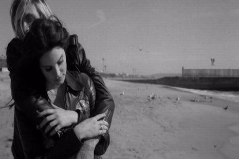 Lana del Rey lanza un adelanto de West Coast