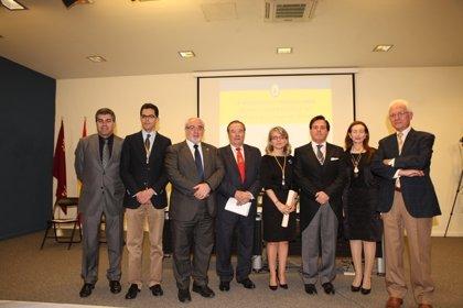 El Real Academia de Medicina y Cirugía amplía sus miembros con la incorporación de Estrella Núñez
