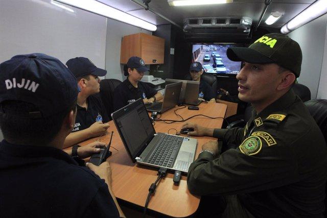 Policía de Colombia con la Interpol
