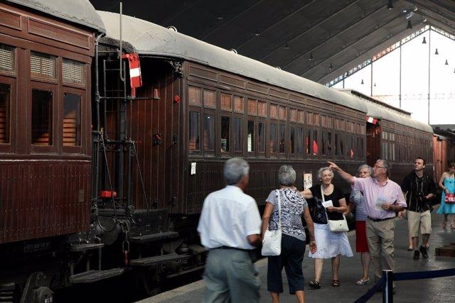 El tren de la fresa que une Madrid y Aranjuez