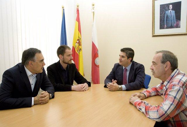 Reunión de Carlos León con Rioman Malachowski, del Banco de Sangre de Lotz