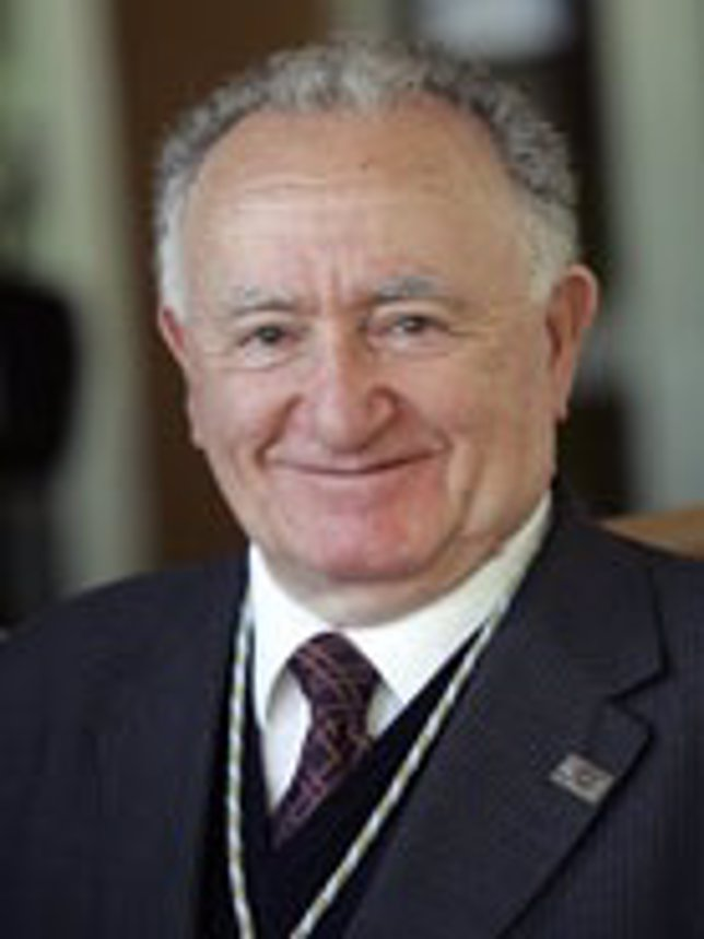 El presidente de la RAG, Xesús Alonso Montero