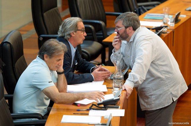 Escobar, Nogales y Casco, diputados de IU en Extremadura