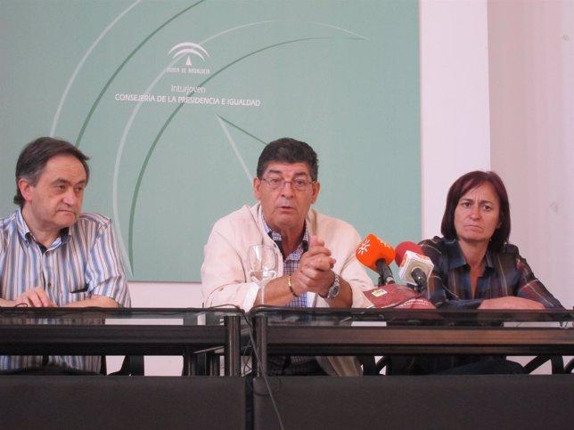 Valderas, en rueda de prensa en Almería