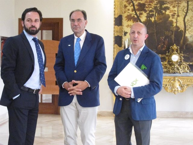 Vidal-Quadras con Santiago Abascal y Ricargo Garrudo