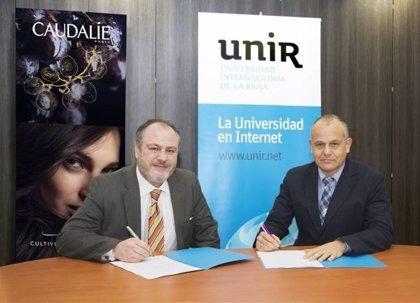 UNIR y Laboratorios 'Caudalie' firman acuerco de colaboración para la formación de profesionales farmacéuticos