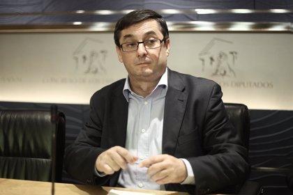 """IU ve """"un escándalo"""" que PP y PSOE aplacen su cara a cara al día del debate entre candidatos a presidir la UE"""