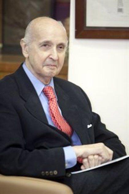 """Santiago Grisolía recibe el título de marqués por su """"contribución al conocimiento científico"""""""