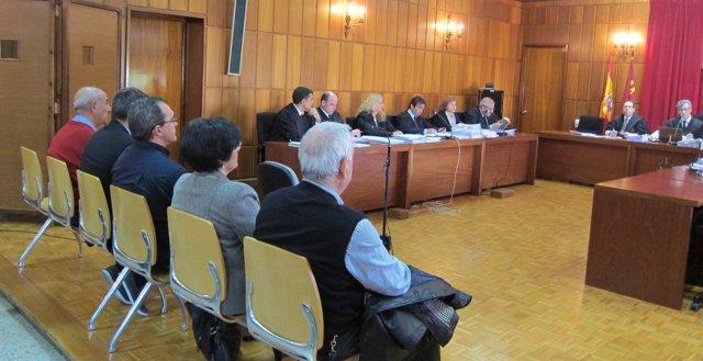 Juicio contra Toledo, Guillén, los dueños de un local y el aparejador