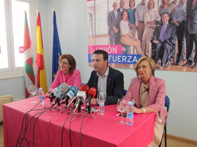 Rosa Díez con Gorka Maneiro y Maite Pagazaurtundua