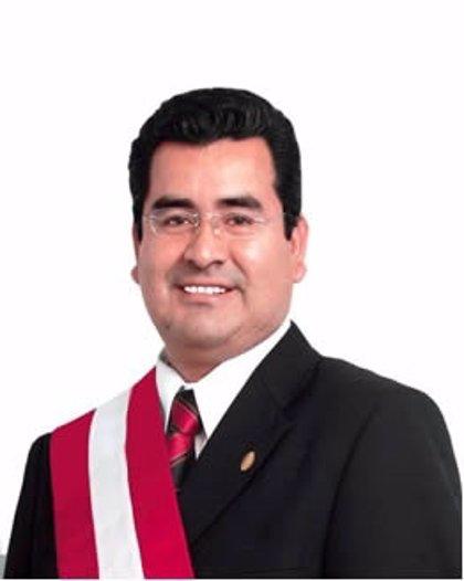 El presidente de Áncash se entrega para responder por los delitos de corrupción y asesinato de un rival político