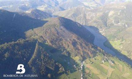Desactivado el Plan Infopa tras extinguir el incendio en Villar de Serandinas (Boal)