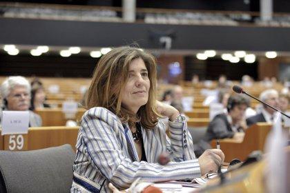 """María Muñiz (PSOE): """"Cañete es un machista que no merece estar en la política española"""""""