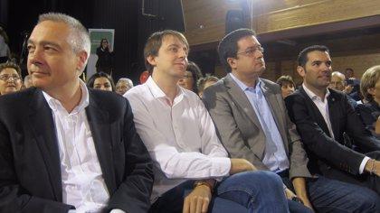 Navarro sitúa al PSC ante el 'sí sí' a la consulta y el 'no no' de Rajoy