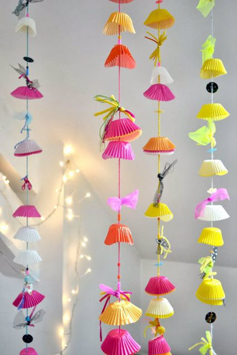 20 ideas diy para reciclar el papel de los cupcakes for Decorar regalos