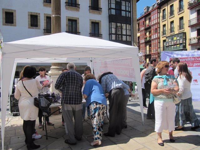Recogida de firmas por una ley europea sobre aborto de Ezker Anitza