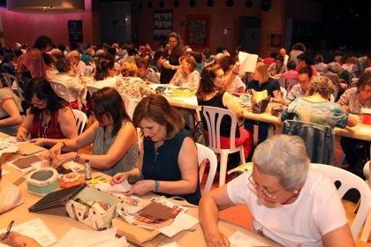 Más de 200 personas de toda Andalucía se reúnen en Tomares en el VII Encuentro de 'Patchwork'