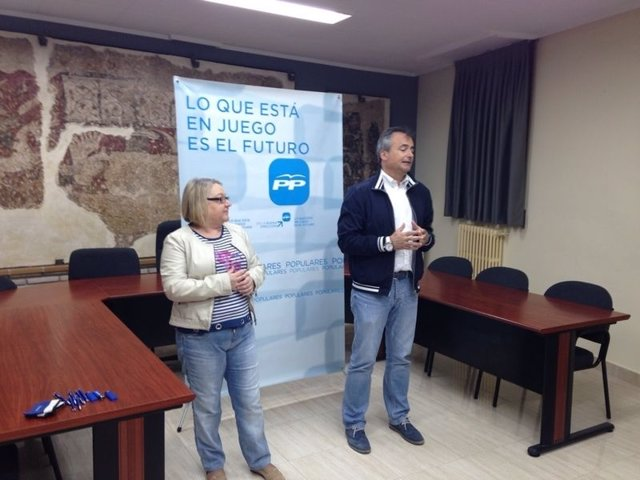 Acto del PP en La Puebla de Híjar.