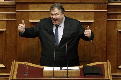 El líder del PASOK muestra su satisfacción con los resultados en las elecciones locales