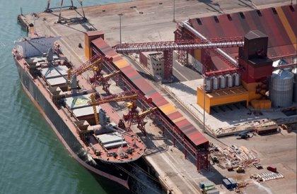 CANTABRIA.-El tráfico de mercancías en el Puerto de Santander se incrementa un 60% en abril