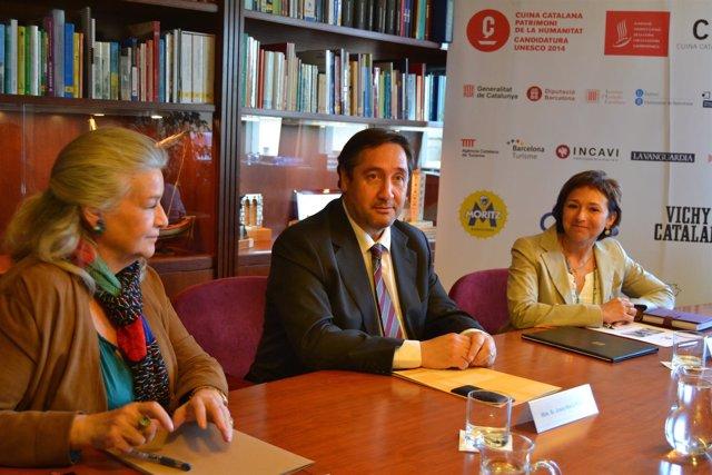 J.M.Pelegrí preside la firma del convenio entre Ausolan y la FICCG