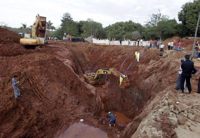 Excavaciones en busca del oro en Paraguay (2013).