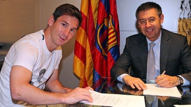 Leo Messi Josep Maria Bartomeu contrato firma renovación Barcelona