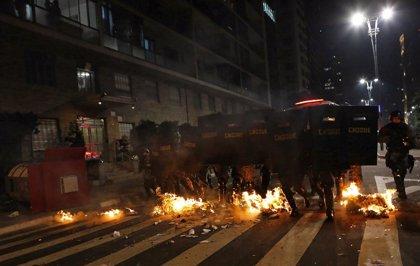 Pelé: Protestas y retrasos en obras ponen en peligro la Copa en Brasil