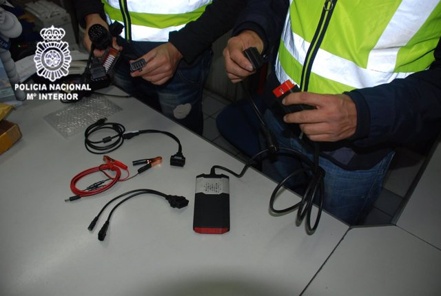 Intervenidos 80 equipos falsificados de diagnosis para automóviles