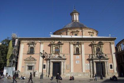 La Basílica de la Virgen abrirá este miércoles a las 7.00 horas para el besamanos público a la Mare de Déu