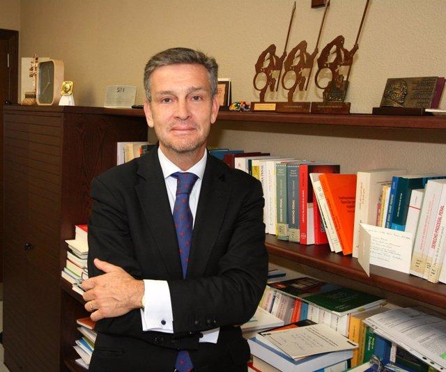 El rector de la UAO CEU, Carlos Pérez del Valle
